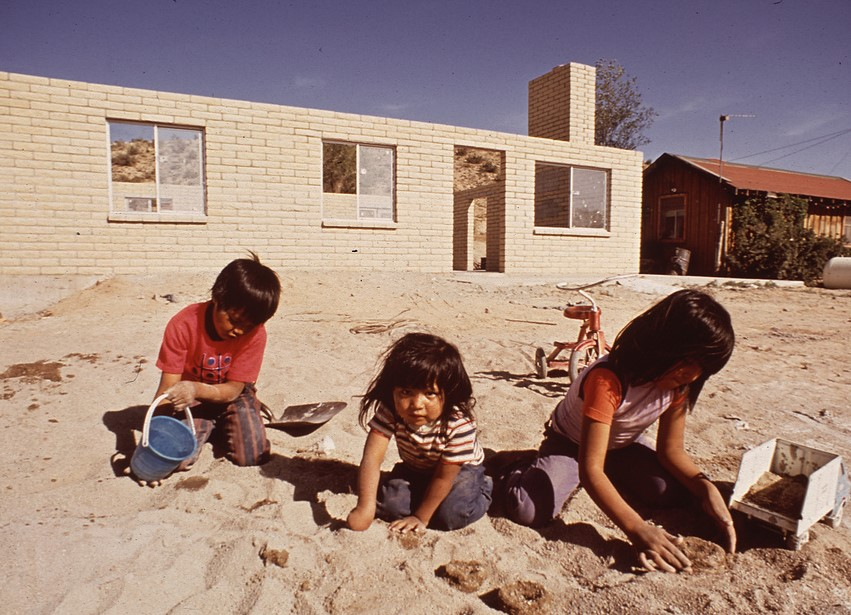 Photo of Navajo children playing from the US National Archives.